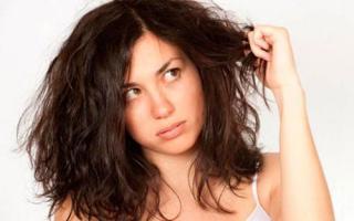 Những tai hại không ngờ đến khi để tóc xõa đi ngủ bạn cần nắm rõ để sửa ngay
