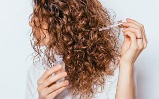 Bật mí loạt bí quyết chăm sóc ngăn ngừa lão hóa giúp tóc mềm mại, suôn mượt